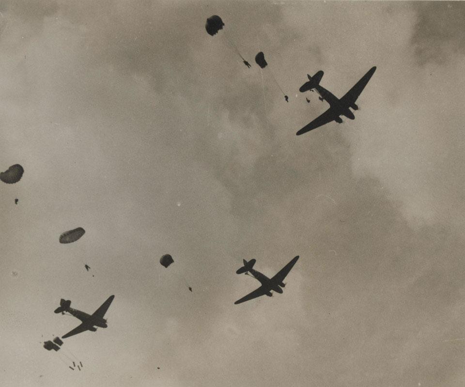 Market Garden IrvinGQ parachute